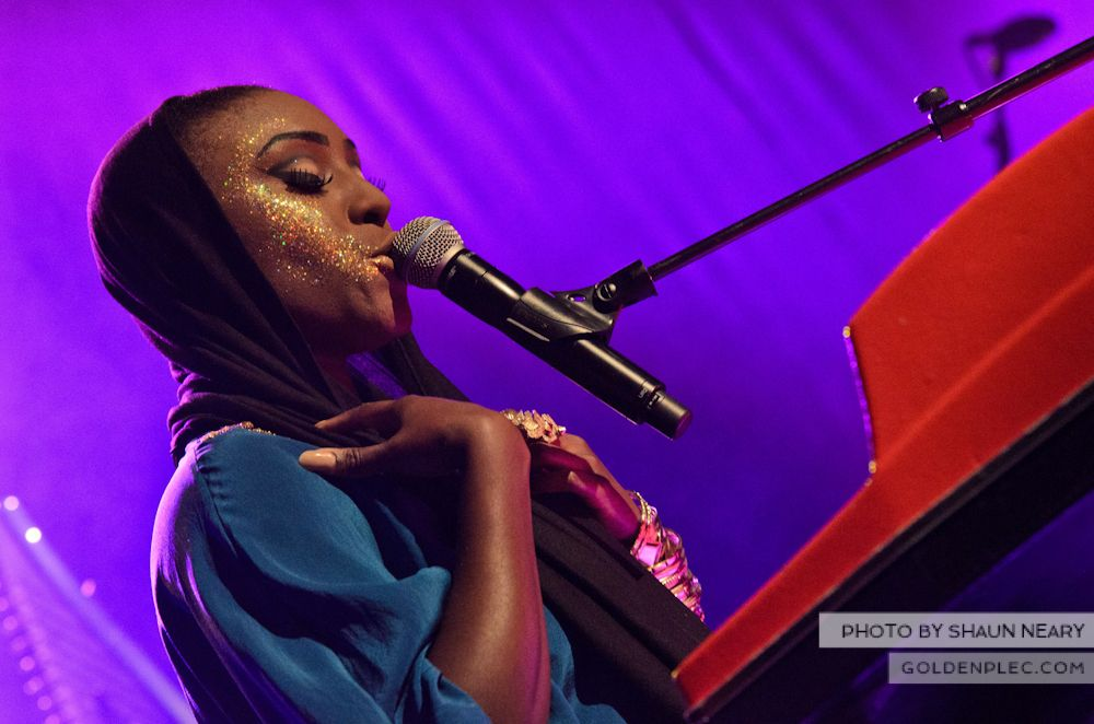 Laura Mvula at The Olympia Theatre on October 12th 2013-04