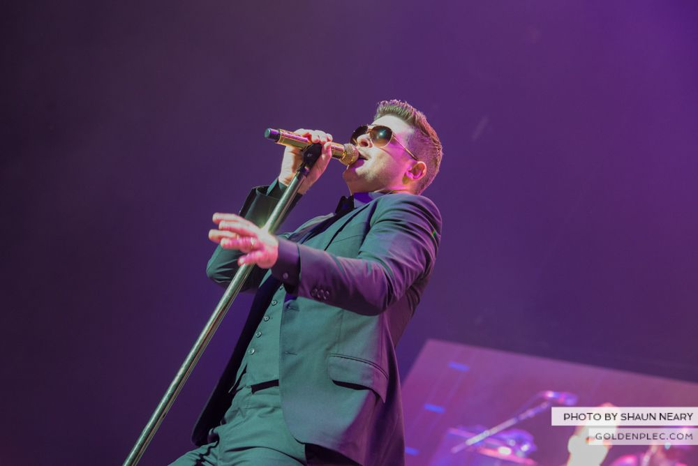Robin Thicke at The o2, Dublin on January 16th 2014-03