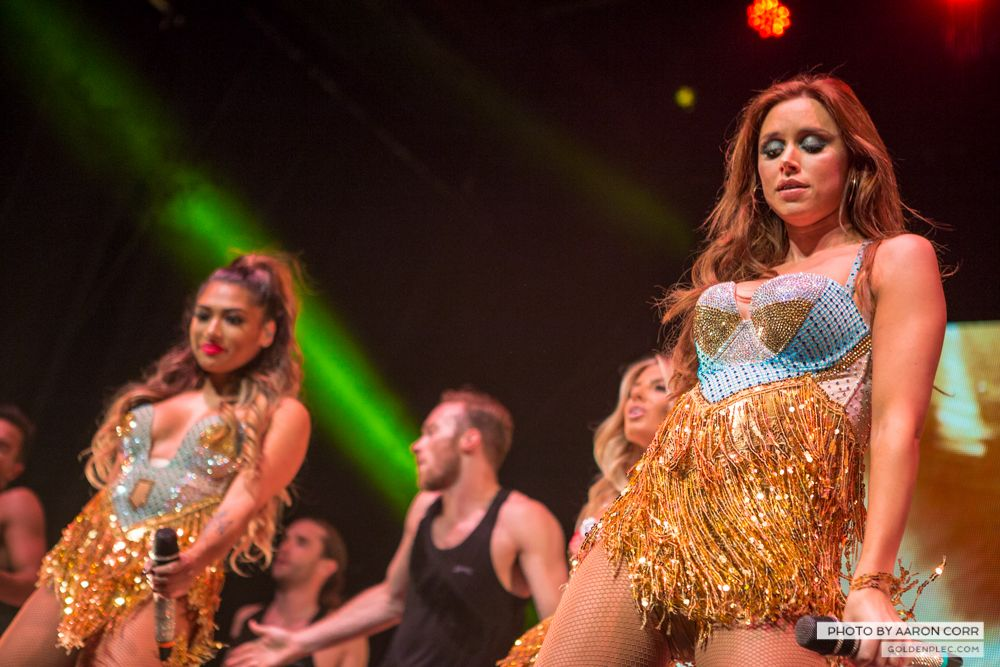 The Saturdays at Olympia by Aaron Corr-23