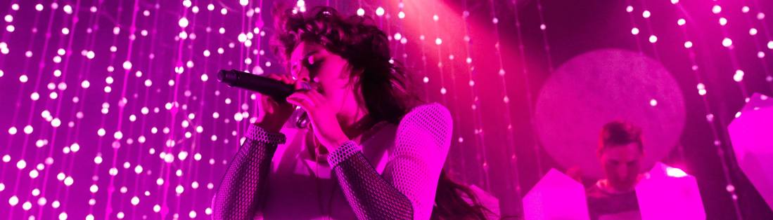 HI Purity Ring in the Button Factory on 4 May 2015 by Yan Bourke-29