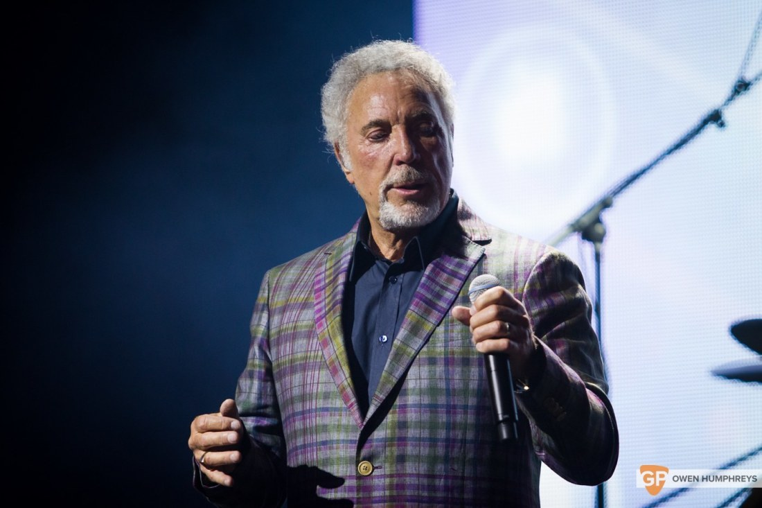 Tom Jones at The Olympia Theatre by Owen Humphreys (5 of 14)