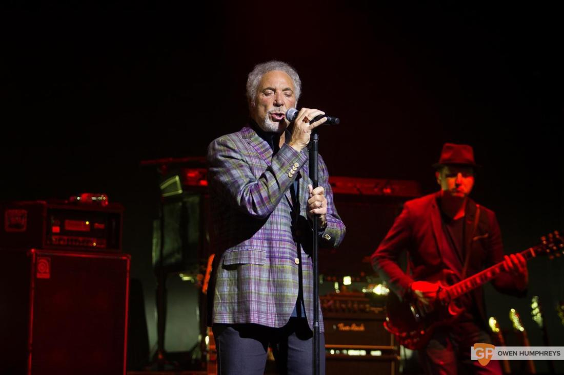 Tom Jones at The Olympia Theatre by Owen Humphreys (8 of 14)