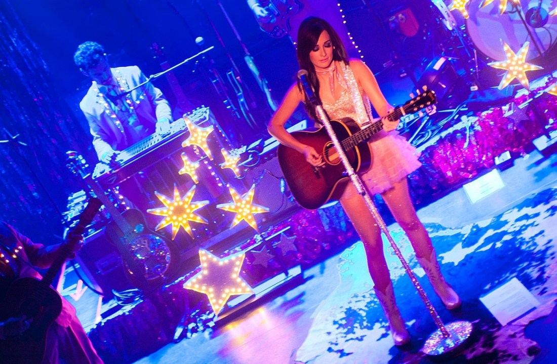 Kacey Musgraves at The Academy Dublin by Abraham Tarrush (8)