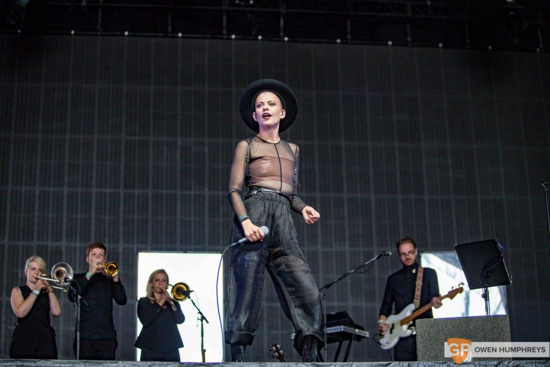 Kovacs live at Lowlands Festival 2017