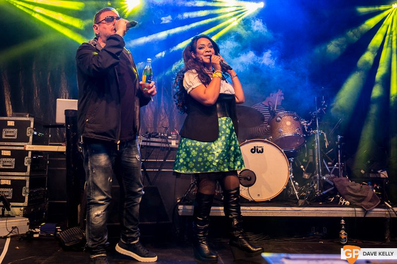 The Happy Mondays at Leopardstown Racecourse on 17 August 2017 (23 of 30)