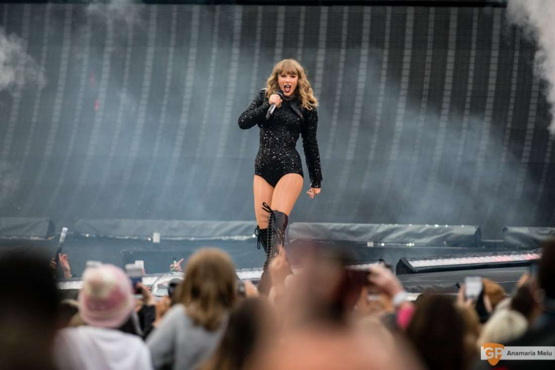 Taylor Swift at Croke Park by Anamaria Meiu