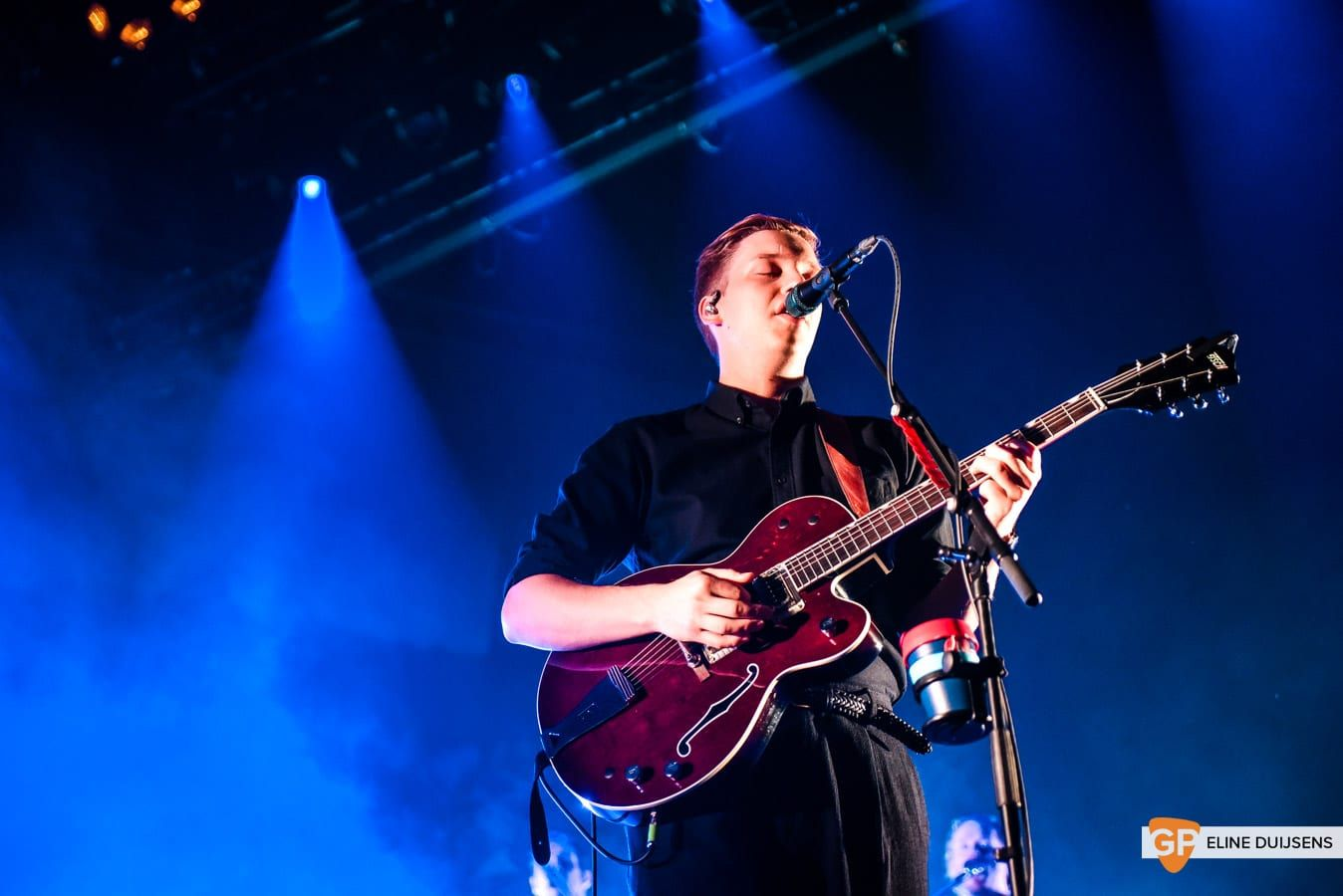 George Ezra at Verti Music Hall by Eline Duijsens GP-10