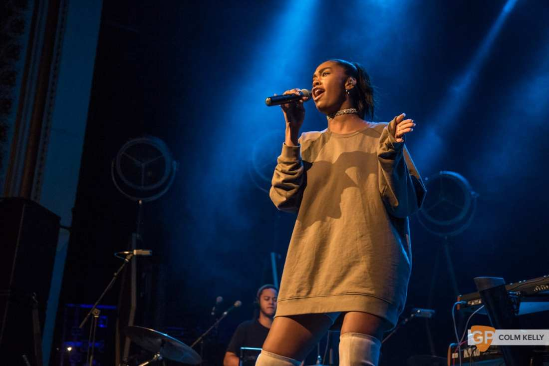Amber Mark at The Olympia Theatre, Dublin by Colm Kelly-180