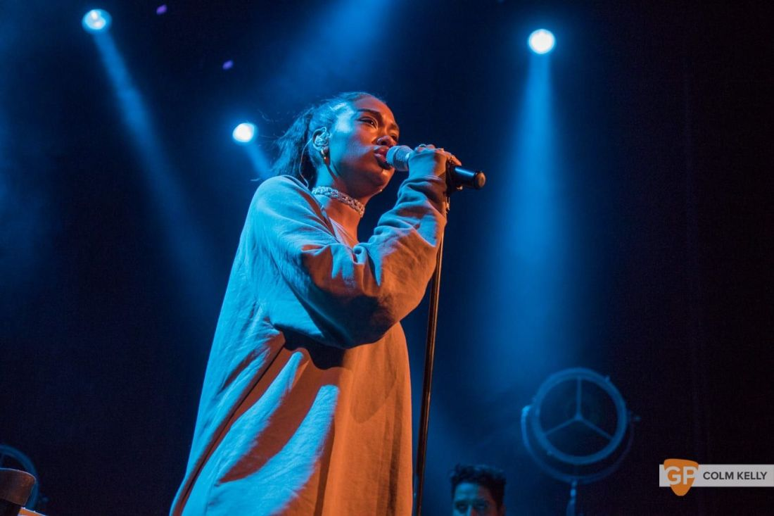 Amber Mark at The Olympia Theatre, Dublin by Colm Kelly-67