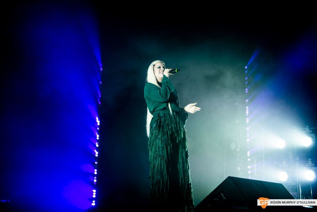 Lily Allen in The Olympia by Róisín Murphy O'Sullivan (1 of 10)