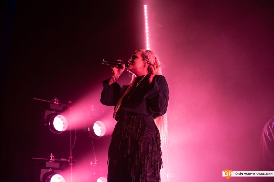 Lily Allen in The Olympia by Róisín Murphy O'Sullivan (7 of 10)