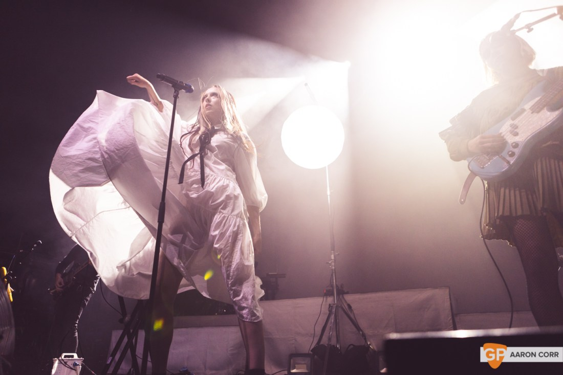 Allie X at Olympia Theatre on 30-Oct-2019 by Aaron Corr-9631