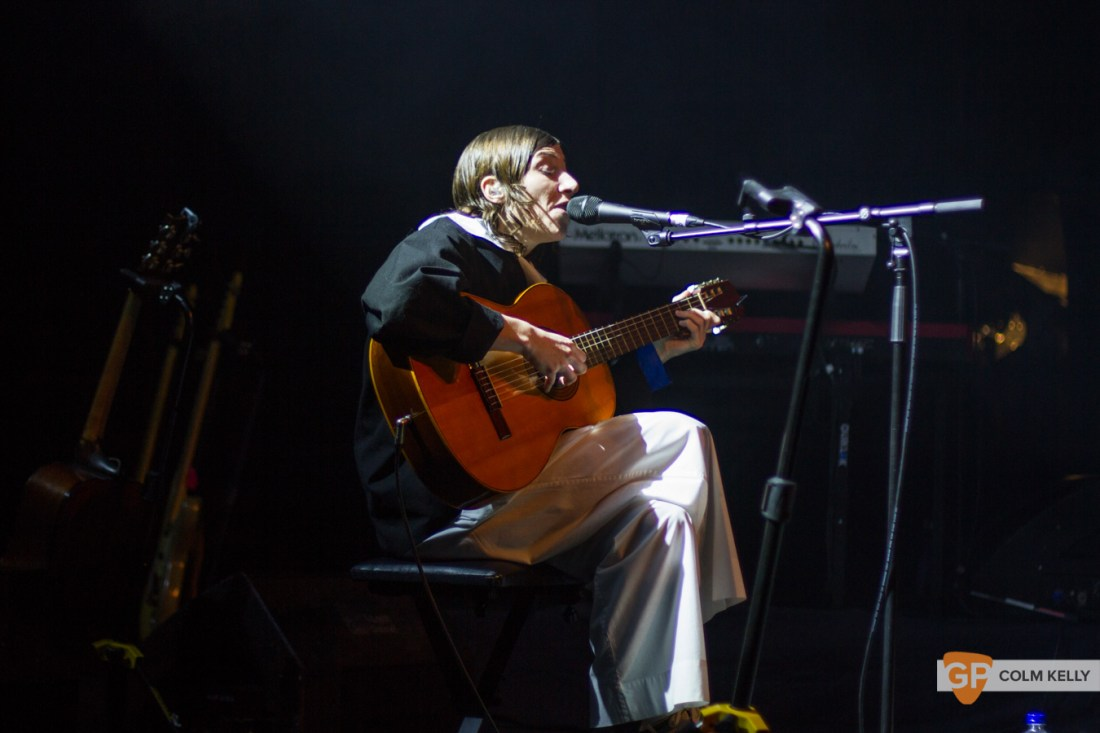 Aldous Harding at Vicar Street, Dublin 3.12.2019 Copyright Colm Kelly-2