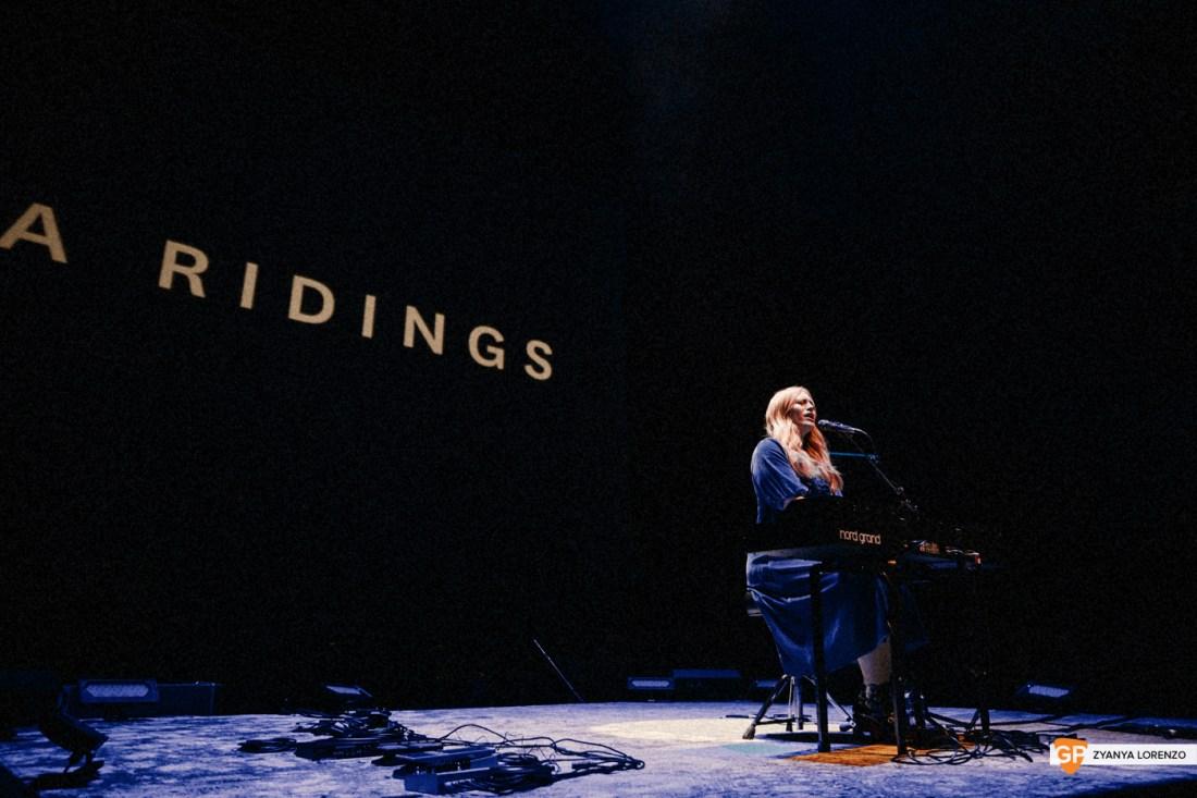 Freya-Ridings-3arena-Dublin-Zyanya-Lorenzo-001