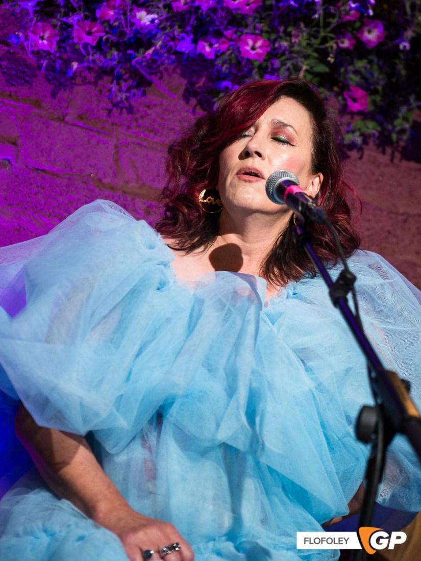 Maria Doyle Kennedy at De Barras Folk Club Clonakilty, Photographer, Flo Foley, 15-08-2021-12