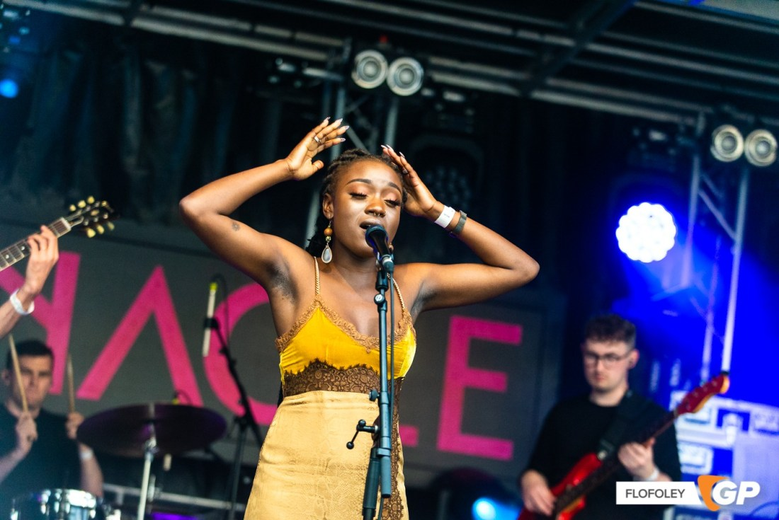 Tolu Makay at Meet Me At The Castle, Clare Galway Castle, Photographer Ciaran Foley, 25-09-2021-11