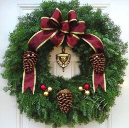 """Victorian Wreath  Style 25"""" Christmas Wreath"""
