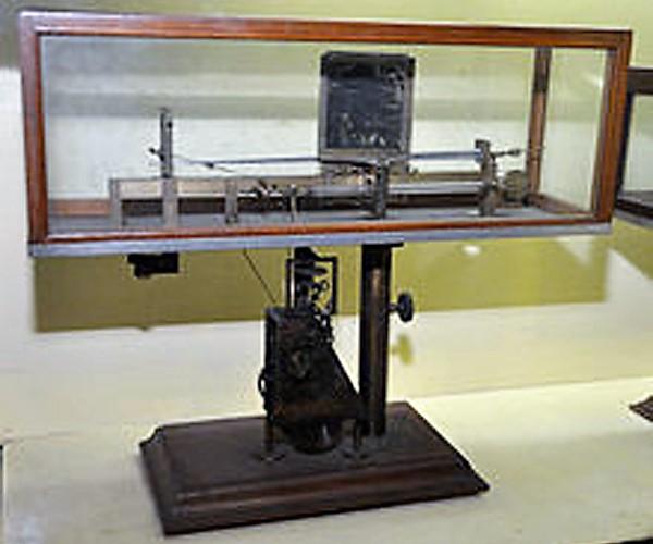 Crescograph by Jagadish Chandra Bose