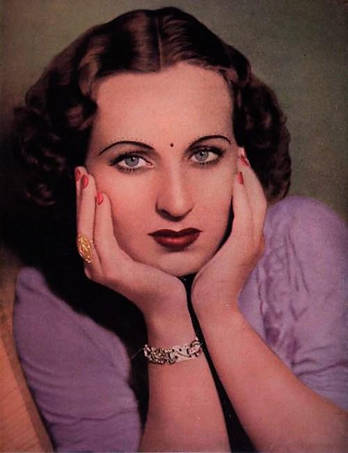 Original Bollywood Stuntwoman - Fearless Nadia