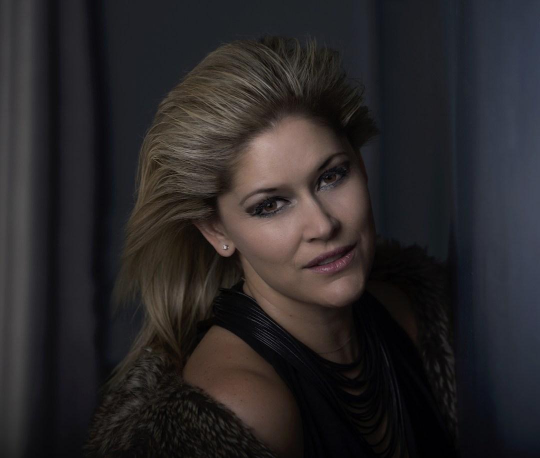 Lisa Goldin - New Close up sml