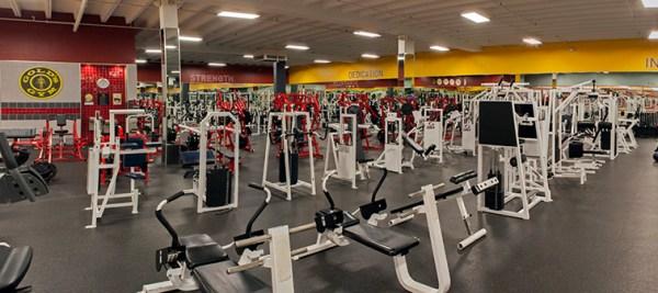 Gold S Gym San Antonio Goliad | anotherhackedlife.com