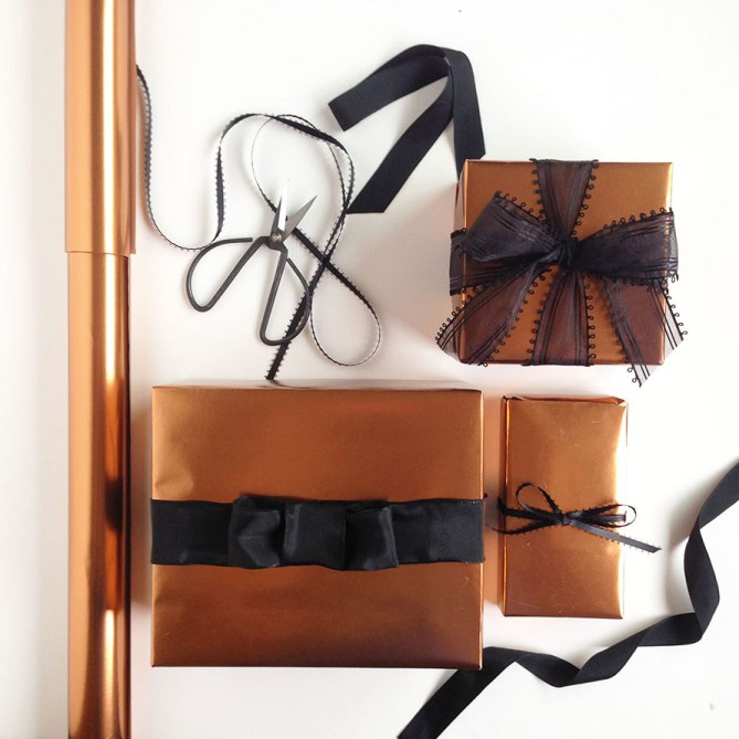 It's a Wrap, Yo! Weekly wrapping tips, tricks, and inspiration from Gold Standard Workshop. #1: Copper tones are great for fall wrapping and masculine gifts. Read more for sources and ideas!
