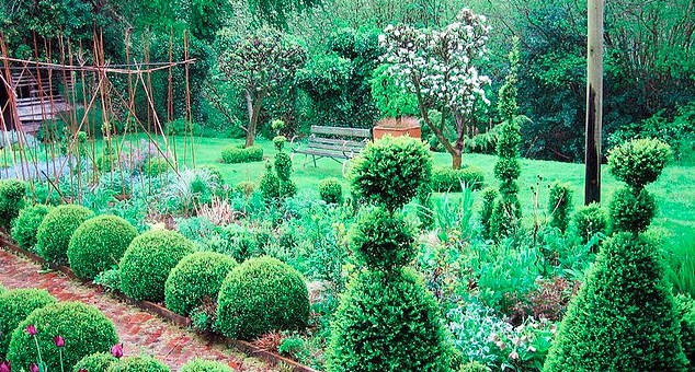 Formal gardens at Lower House B&B in Cusop Dingle