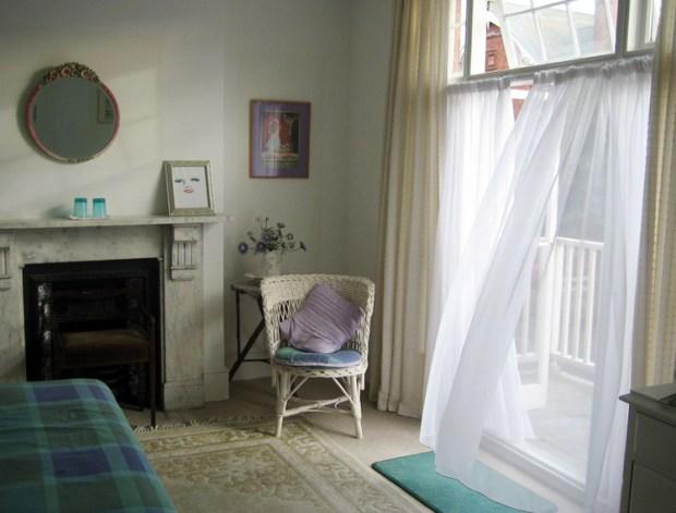 Breezy room, Douglas Avenue B&B, Hythe, Kent