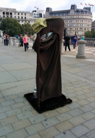 hovering-statues-2