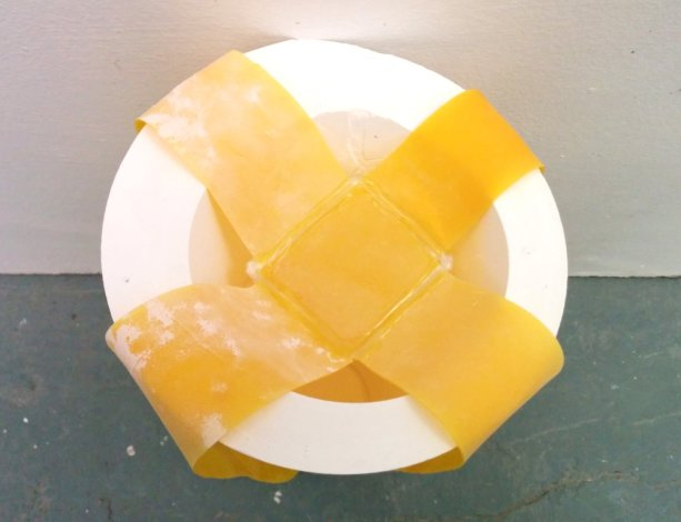 yellow-latex-bands-plaster-cones14