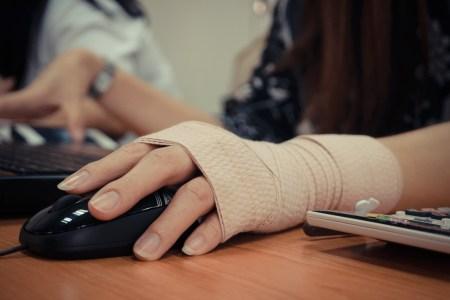 office injuries wrist pain wrap