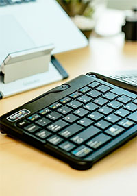 ergonomic keyboard and tablet stand