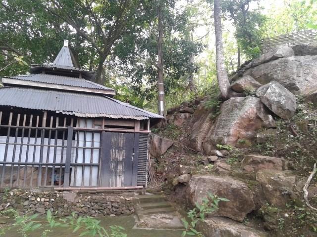 Situs Watu Pager Ukir Ponorogo