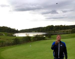 Joakim har en ny boll i luften.