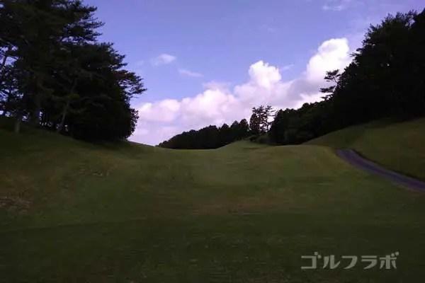 沼津ゴルフクラブの伊豆5ホールのティーグラウンド