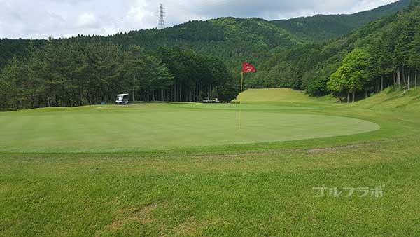 レンブラントゴルフ倶楽部御殿場の駿河コース4番ホールのグリーン