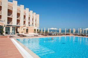 real marina hotel 1