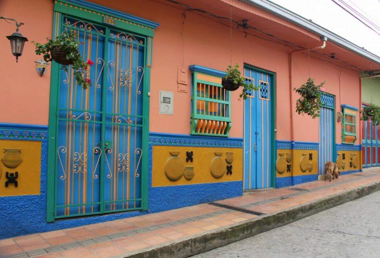 guatape colombia deuren