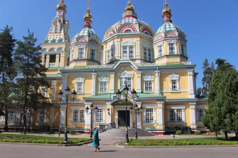 Almaty Cathedral Kazachstan wereldreis