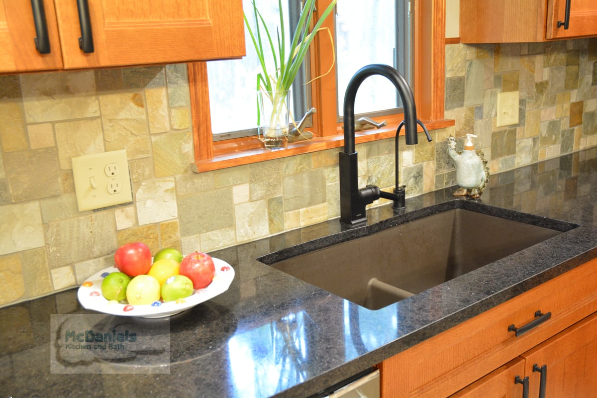 Lansing MI Kitchen Countertops - McDaniels Kitchen and Bath on Modern:egvna1Wjfco= Kitchen Counter Decor  id=43065