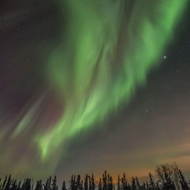 Being Outside of Town Makes for Vibrant and Colorful Aurora Displays