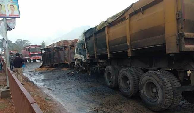 fire-in-truck-in-raigarh