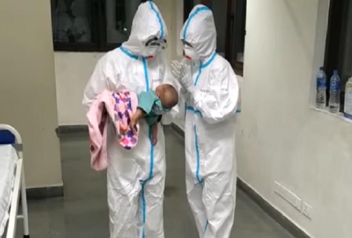 aiims-raipur-care-taking-baby
