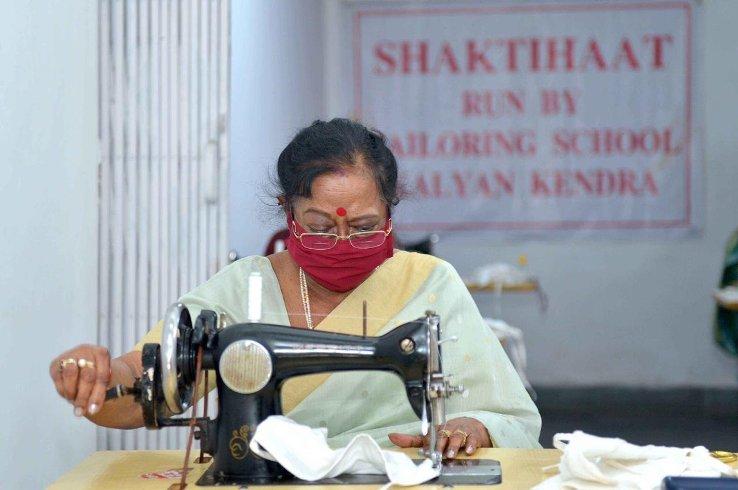 savita-kovind-made-masks
