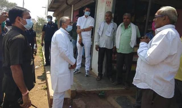tamradwaj-sahu-inspects-road