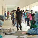 रायपुर : क्वारेंटाईन सेंटर में हो रहा नियमित स्वास्थ्य परीक्षण और महिलाओं को निःशुल्क सेनेटरी नैपकिन