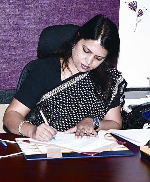 ias-niharika-barik-singh-chhattisgarh