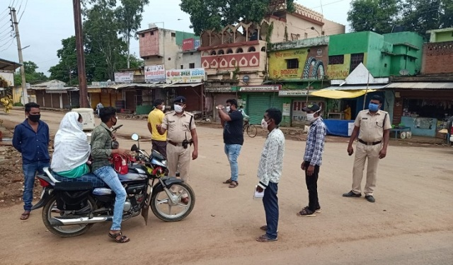 raipur-lockdown-police-action-22-july-2020