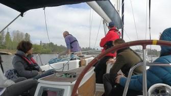 Plimbarea cu yachtul se poate face cu o singură persoană, cât și cu un grup organizat. FOTO Ovidiu DRUGAN