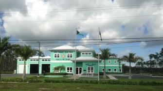 O clădire oficială din Freeport Bahamas. FOTO Cătălin SCHIPOR